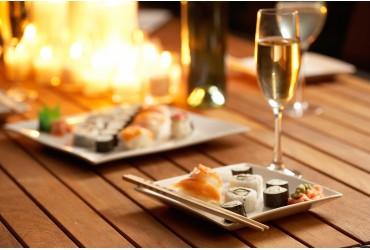 Grillo il vino bianco e Sushi